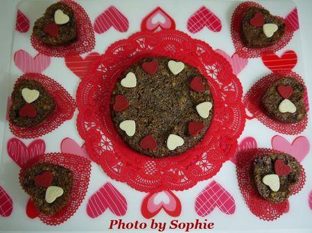 ハート形のチョコレートと胡桃のバークッキー